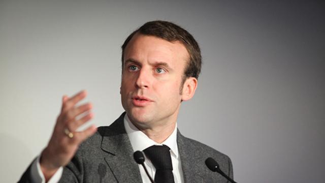 Prsidentielle En France Emmanuel Macron Se Pose En