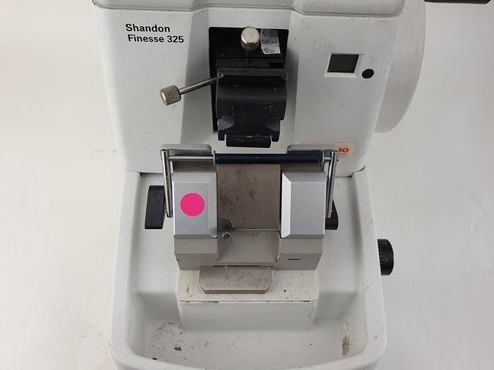 Used Thermo Scientific Microtome for Sale in Walton-on-the-Naze. Un...