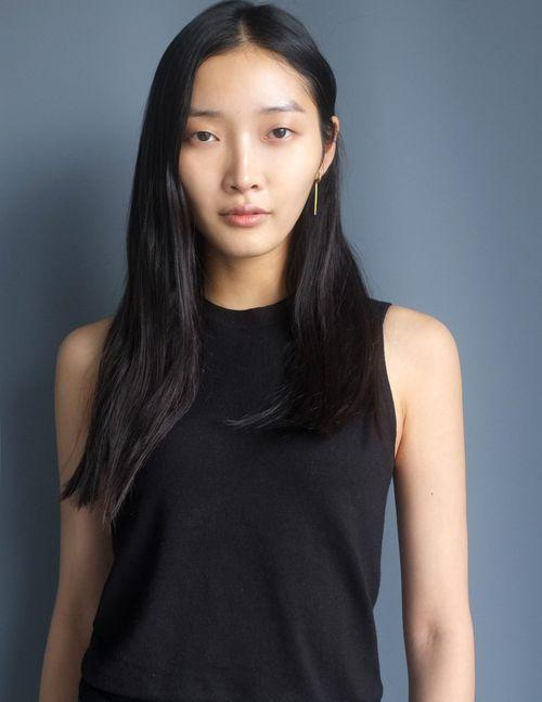 jisu hong model profile