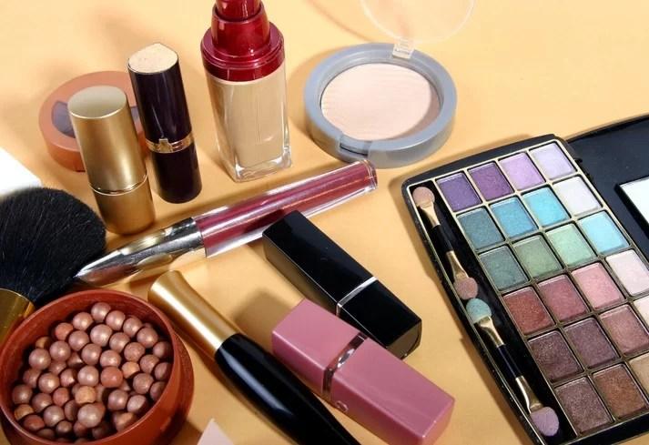 Resultado de imagem para produtos de maquiagem