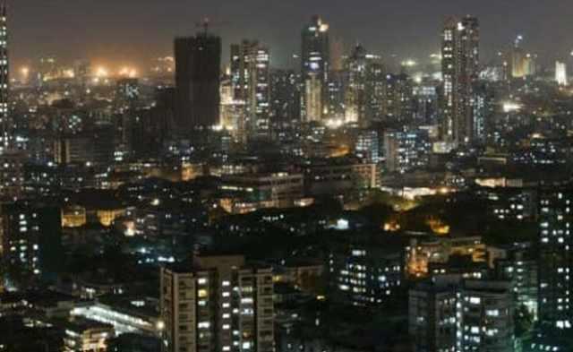 मुंबई : वड़ा-पाव देने में देर होने पर शिवसेना नेता ने दुकानदार की धुनाई की