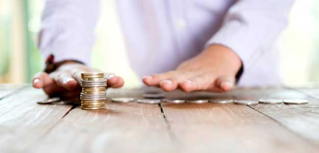 What's The Best Investment Option For You: Mutual Funds vs Stocks