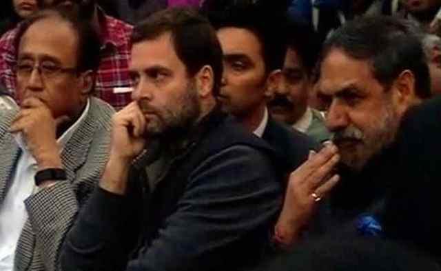 जो आपकी आवाज दबाना चाहते हैं वे असली देशद्रोही हैं : JNU में राहुल गांधी