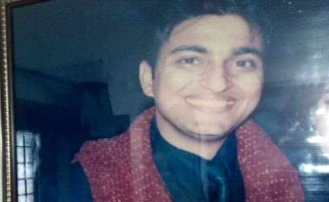 डॉक्टर की मौत : सांप्रदायिक पहलू से इंकार करने वाली पुलिस अधिकारी को मिली गालियां
