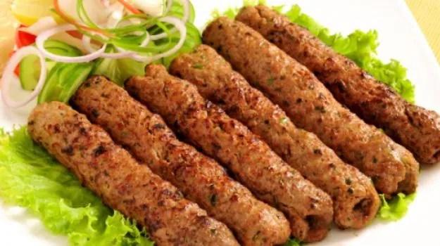 Resultado de imagem para lucknowi kebab