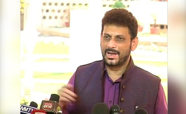AIMIM Leader's '15 Crore Muslims ?' Remark Triggers Backlash From BJP