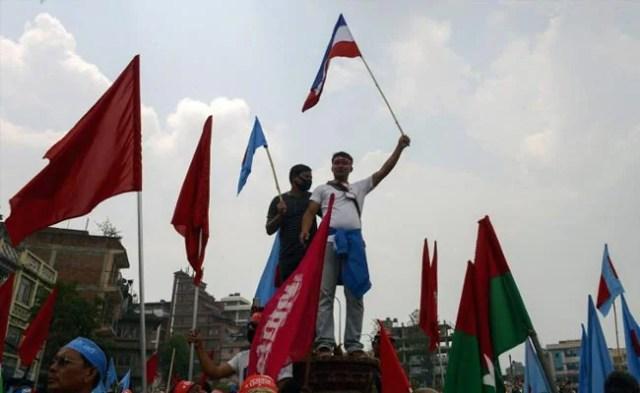 नेपाल : प्रदर्शनकारी मधेसियों की पुलिस से झड़प, पीएम ओली ने हिंसा के खिलाफ चेताया