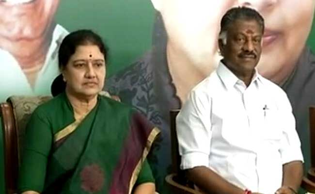 Governor To Meet Panneerselvam First, Then Sasikala In Evening: 10 Facts