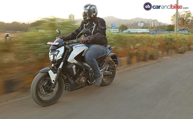 bajaj dominar vs mahindra mojo comparison review