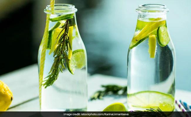 lemon water 650x400