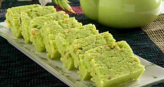 Faldhari Badam ki Barfi (Sugar free) Recipe by Anil Dahiya - NDTV Food