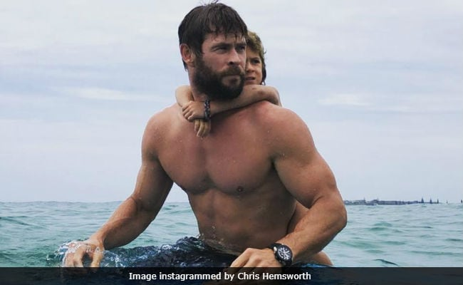 Watch Chris Thor Hemsworth Surf With Daughter Like A Boss