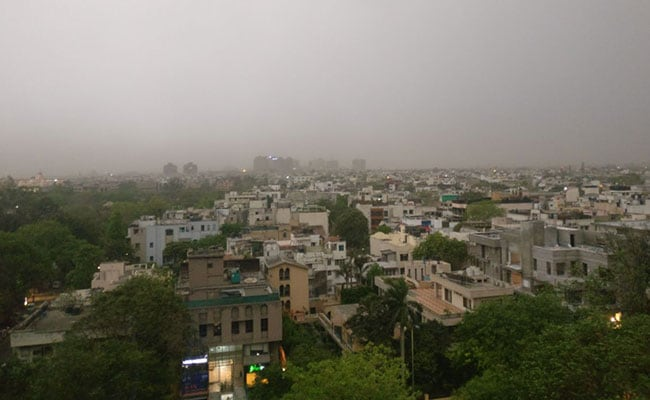 24 Flights Diverted, Many Delayed After Dust Storm, Rain Hit Delhi
