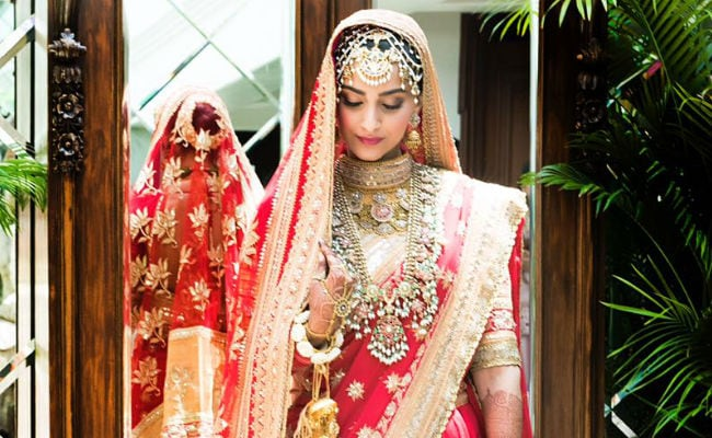 First Pics From Sonam Kapoor And Anand Ahuja's Wedding: See Sonam's Bridal Outfit; Anand Ahuja. Anil Kapoor Are At Wedding Venue