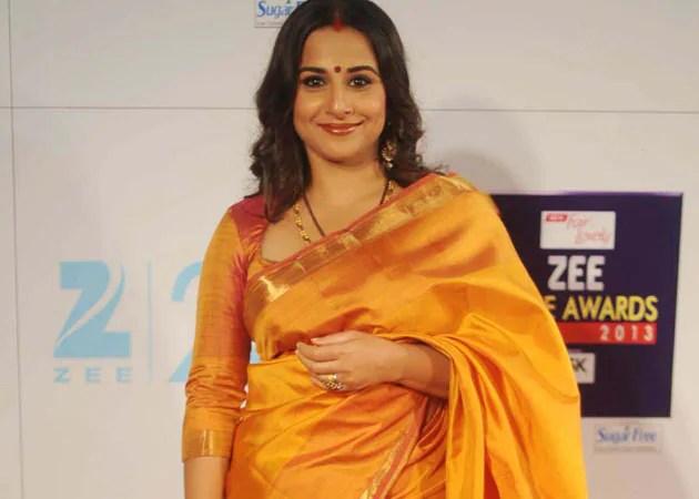Vidya balan wearing saree