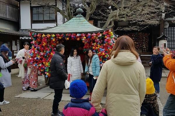 浩子帶妻兒環遊世界 首站日本臉書求救!   浩角翔起   新唐人中文電視臺在線