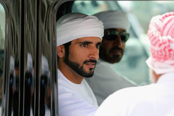斑鳩夫婦豪車上筑巢 迪拜王子一個動作獲熱贊 | 迪拜二王子 | 哈姆丹 | 新唐人中文電視臺在線