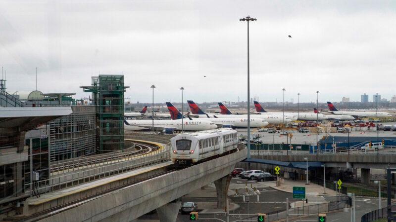 JFK國際機場內鬼作案 600萬元名牌貨被盜   盜竊活動   新唐人中文電視臺在線