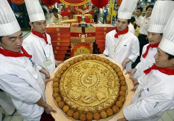 中秋節傳統食物 除了月餅你還知道哪些? | 石榴 | 柚子 | 糍粑 | 新唐人中文電視臺在線