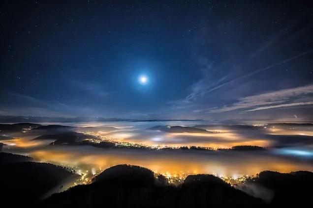 Пейзаж з місяцем, ілюстрація