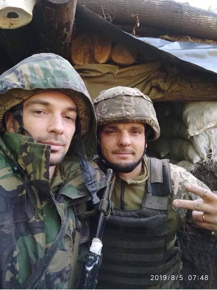 Дмитрий Темный (справа)
