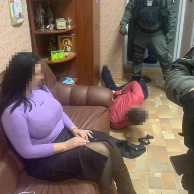 Нотариус и посредник требовали 1,2 млн грн
