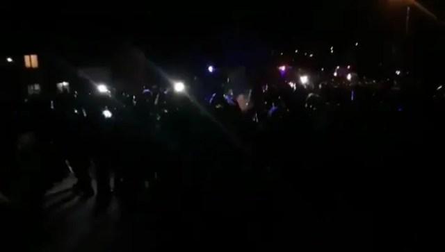 В Новых Санжарах начались стычки местных жителей с силовиками