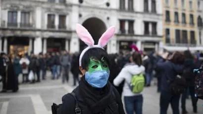 В Италии из-за вируса отменили карнавал