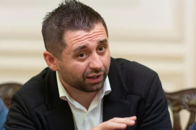 Арахамия оправдался за скандальный компромисс по Крыму