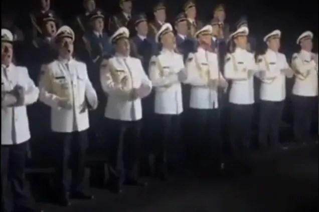 """Моряки спели """"Воины света"""""""