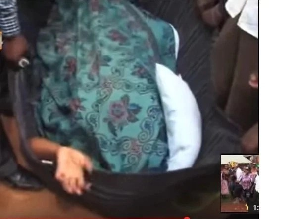 man and woman get stuck while having illicit sex in Kisii (video)
