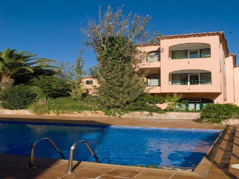 Apartamentos Royal Life  Mahon Menorca  On the Beach