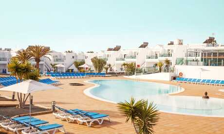 Where Is Hot In April Perfect Destinations For Hot April Holidays Sunshine Co Uk