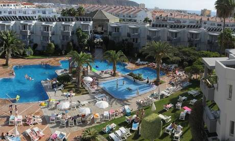 Cheap holidays to Los Cristianos  On the Beach