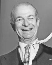 Chemist & Peace Activist Linus Pauling