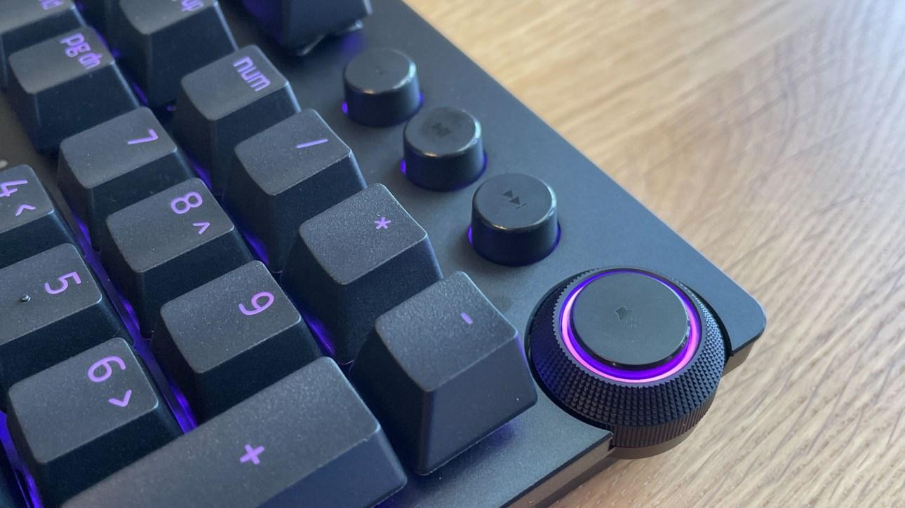 Медиа-клавиши Razer Huntsman V2