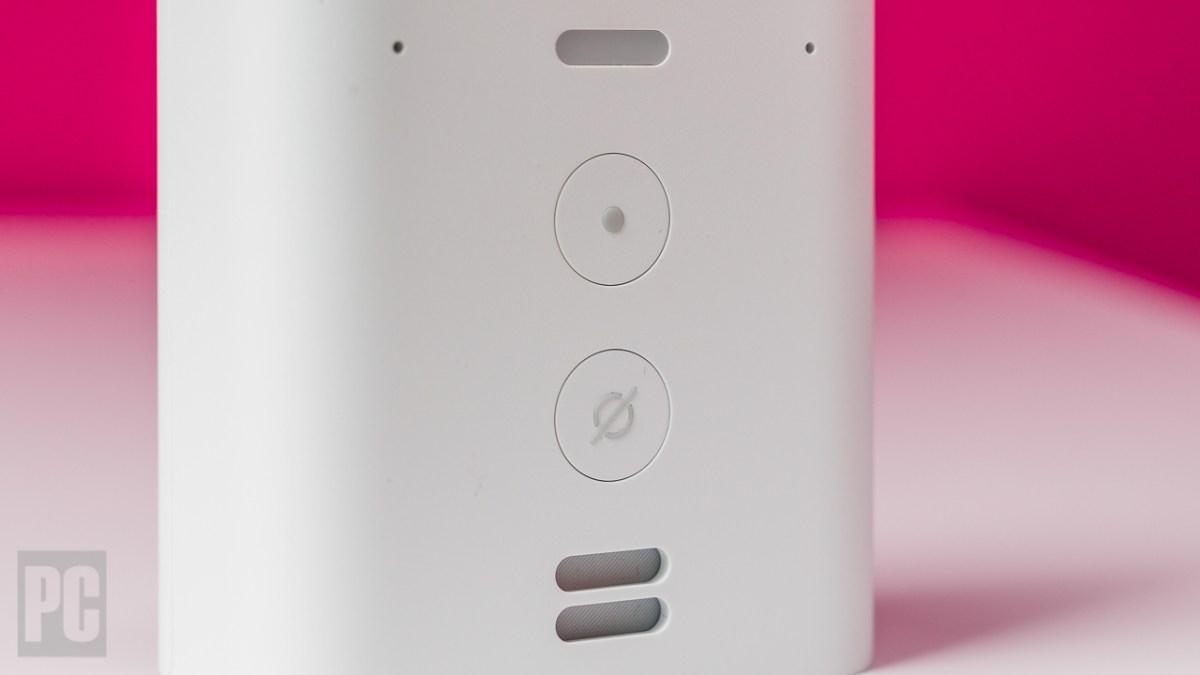Amazon Echo Flex buttons