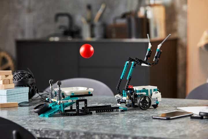 Изобретатель робота Lego Mindstorms
