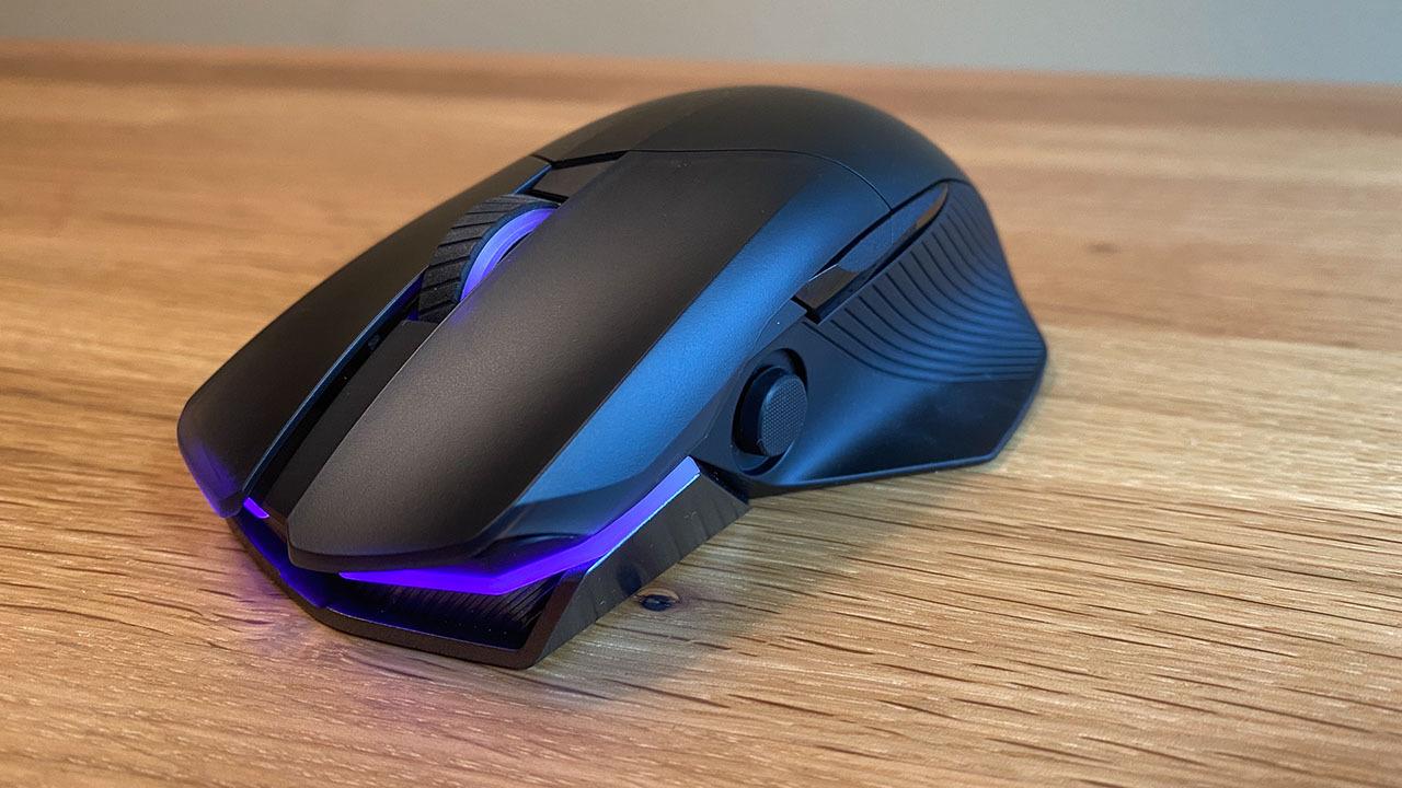Беспроводная игровая мышь Asus ROG Chakram на передней панели