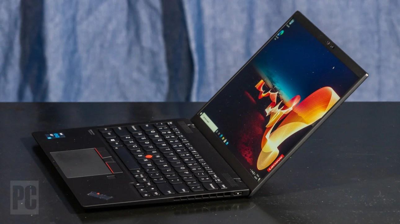 Lenovo ThinkPad X1 Nano под прямым углом