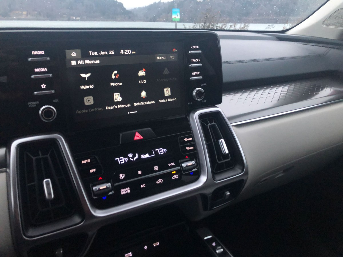 2021 Kia Sorento Hybrid infotainment screen