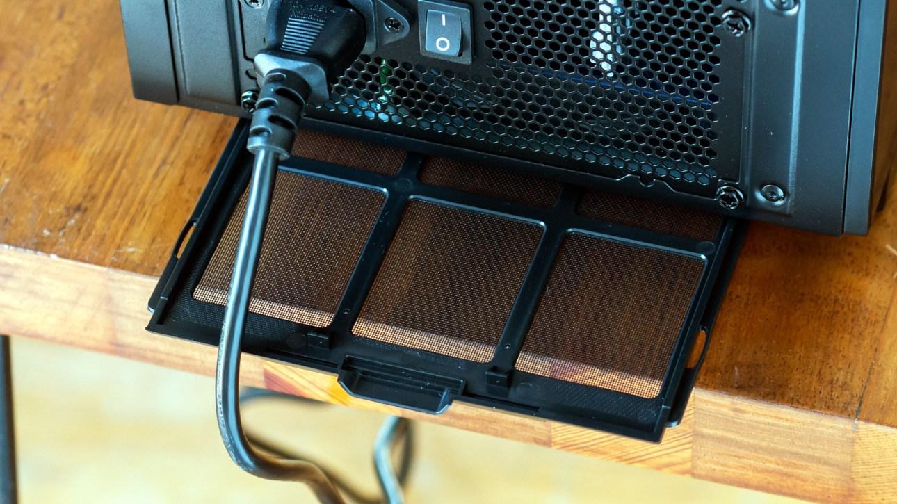 iBuyPower Element CL Pro (2021) нижний пылевой фильтр