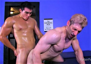 Kink Episode 3: Oil Wrestling – Axel Kane & Sir Jet (Peter Fever)