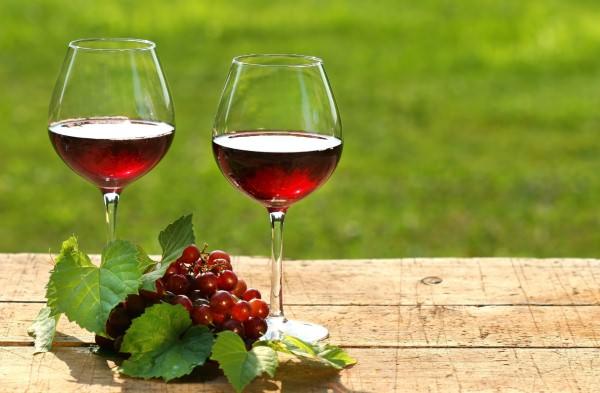 širdies sveikatos raudonojo vyno nauda skrandžiui)