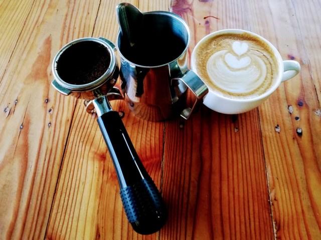 kopi di dalam cawan