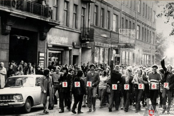 Protesters against Soviets, 1972.