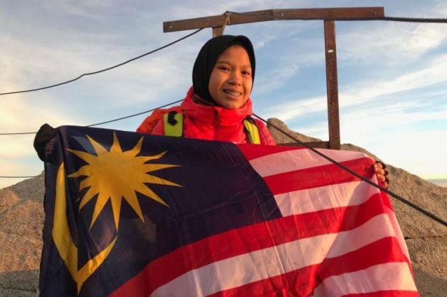 Sarah Sofea berjaya tba di Gunung Elbrus