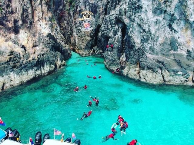 Pulau Harimau gua ringkas dan kolam lagun