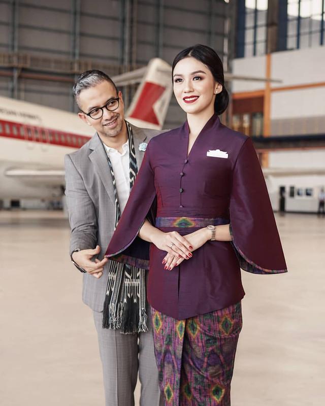 pakaian seragam garuda indonesia