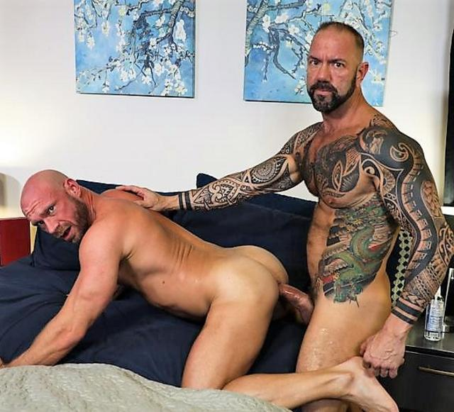 Damn! It Is Big!!! : Vic Rocco, Killian Knox
